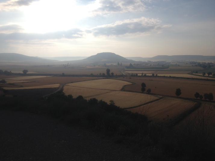 Morning view of the valley on the way to to Fromista